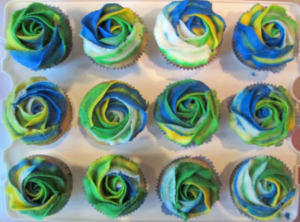 Cupcakes in the PFA / Portland flag colors, courtesy of Keryn Anchel.