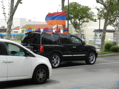 An Infinity SUV in Glendale, California showing some Armenian pride.  Photo from flickr by Scott Lowe, 24 April 2012.