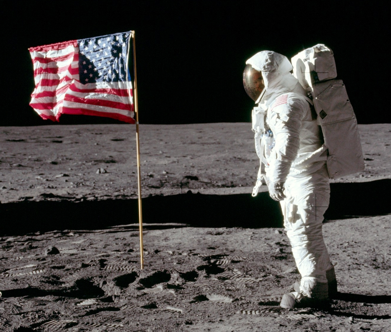 neil armstrong on the moon 1969 - photo #10