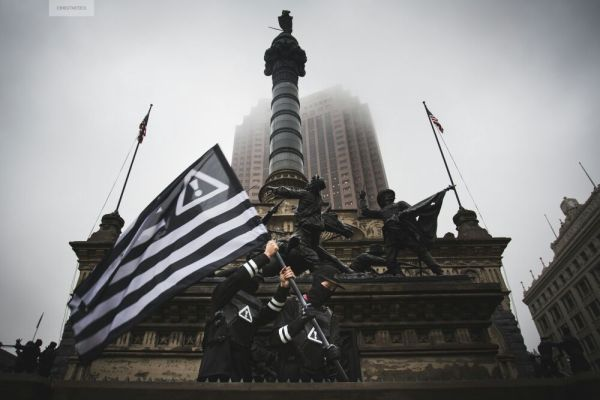 Reenacting the Iwo Jima flag raising, in Cleveland.  From the @FLOSSTRADAMUS feed.