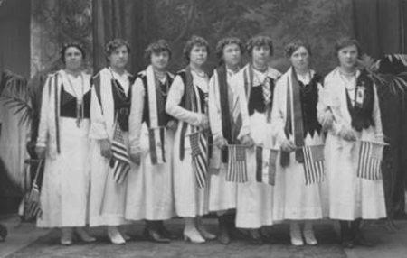 mystery-flag-women