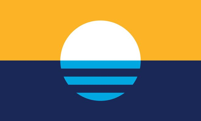 """Sunrise Over the Lake"" Wins Milwaukee Flag Contest"