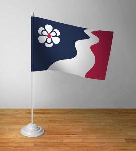8-mightymagnolia_deskflag
